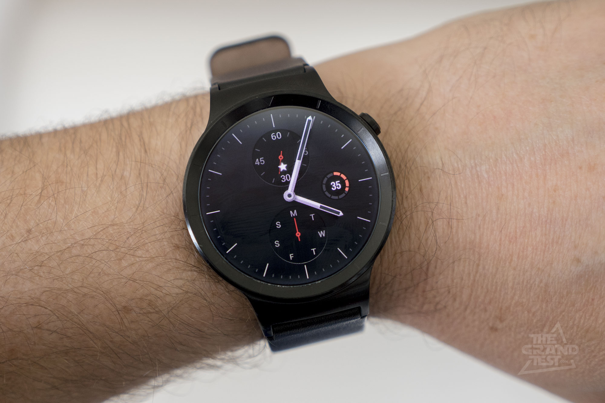 Huawei Watch : le test de la smartwatch chinoise sous ...